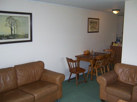 Riverdale Hall Country House Hotel: Lounge / dining room - self catering apartment