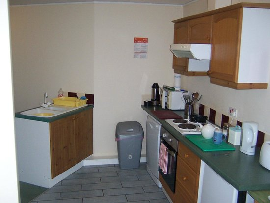 Riverdale Hall Country House Hotel: Kitchen - self catering apartment
