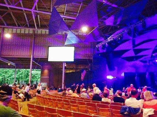 Tanglewood: waiting for James Taylor in 'the shed'