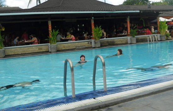 The Jayakarta Bali Beach Resort: pool outside the dinning room