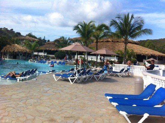 Cofresi Palm Beach & Spa Resort: One of the pool