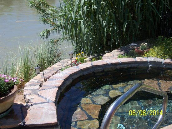 Riverbend Hot Springs: hot spring along the Rio Grande River