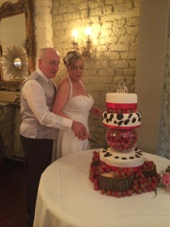 Anglers Rest: Wedding