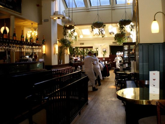Browns Brasserie & Bar: General view