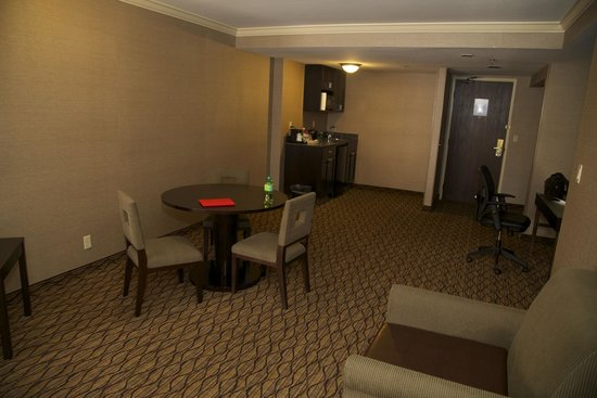 Holiday Inn Express Port Hueneme: Suite