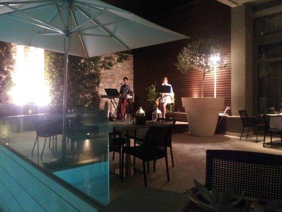 Galaxy Hotel Iraklio: Live Music