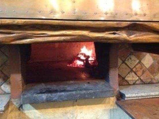 Forno a legna per pizze fantastiche picture of for Sportello per forno a legna