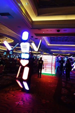 Monte Carlo Resort & Casino: Blue man group procession