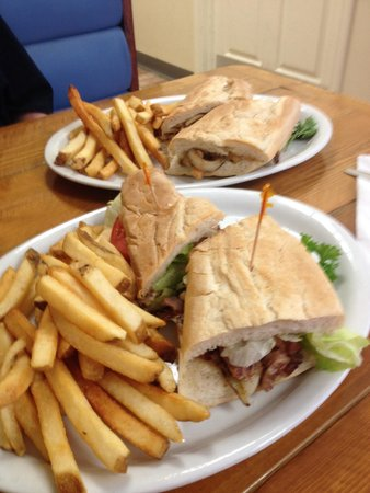 Dan's Grill: Best Cuban Sammys ANYWHERE!!! Try it..... You'll LOVE'em!!!