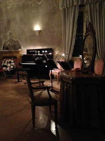Musica A Palazzo: waiting for the musicians to arrive