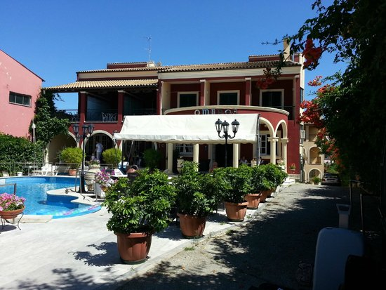 Hotel Omiros - picture taken from the street
