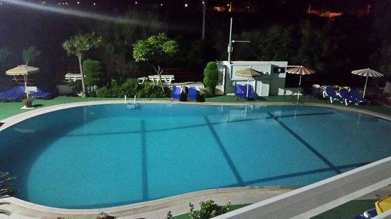 Asterias Hotel: Noc