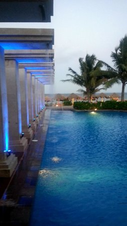 Now Sapphire Riviera Cancun: view outside of Blue Water Grill. LOVED IT!