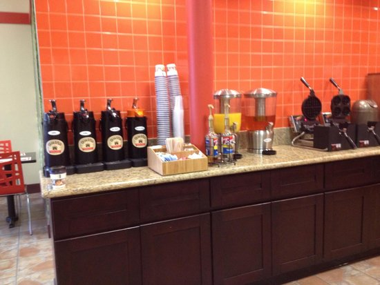 Best Western Plus Dragon Gate Inn: Breakfast buffet