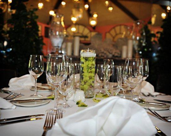 Maison Martinique Restaurant: Maison Martinique Table Sets, Specials 9