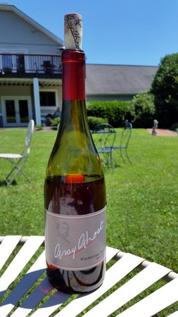 Gray Ghost Winery: Table Red