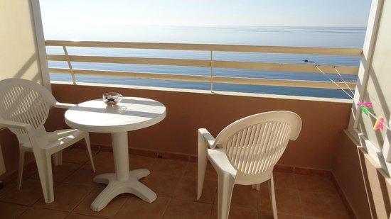 Stella Maris Apartamentos: Balcony