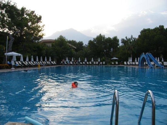 Larissa Club Saphire Hotel: Бассейн