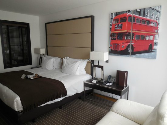 Pestana Chelsea Bridge Hotel & Spa London: A lovely uber-chic room