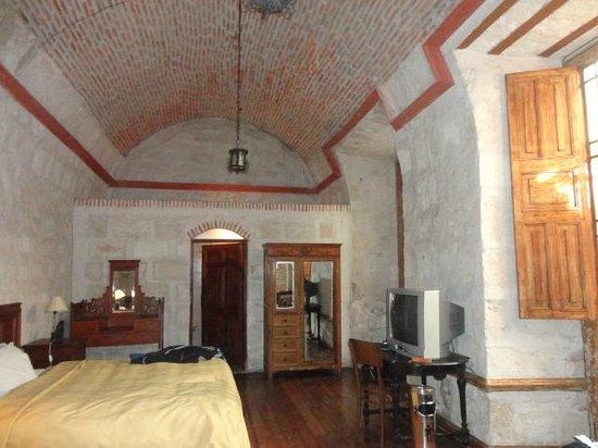 La Casa de Melgar Hostal: Wonderful vintage room