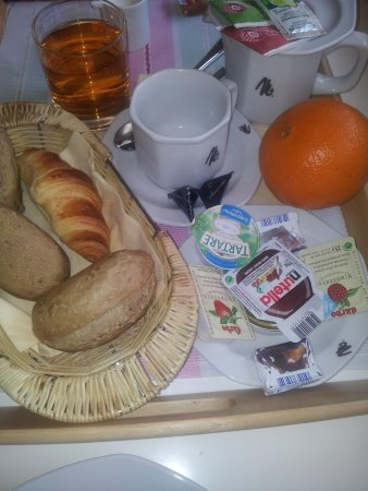 Mamaison Residence Sulekova Bratislava: hotel breakfast