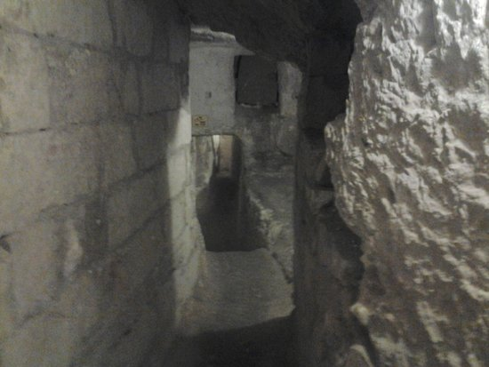 St Paul's Catacombs: view within the Catacombs
