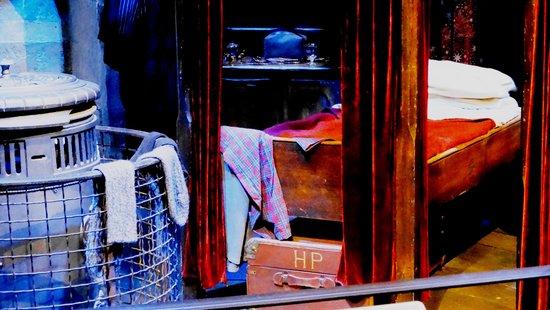 Elegant Studio Tour London   The Making Of Harry Potter: Harry Potter Dorm Part 21