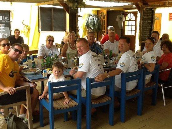 Reef and Beef Aruba: People having fun here!
