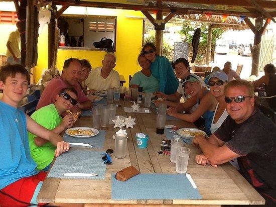 Reef and Beef Aruba: Happy people!