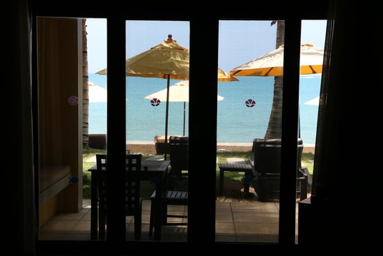 Chongfah Beach Resort: view from our bungalow