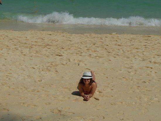 BEST WESTERN Phuket Ocean Resort: пляж возле отеля Карон