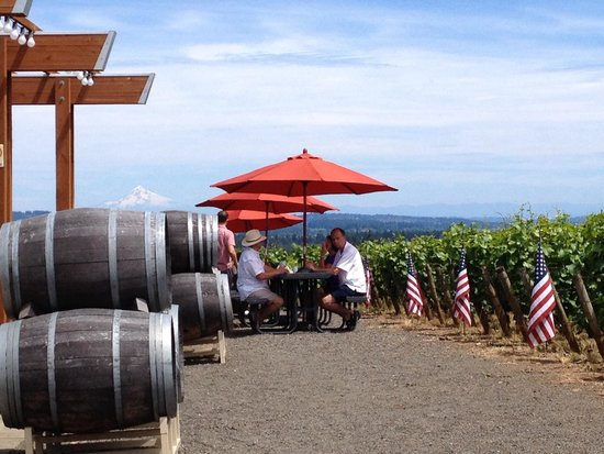 Cornelius, OR : A little wine tasting on the 4th.