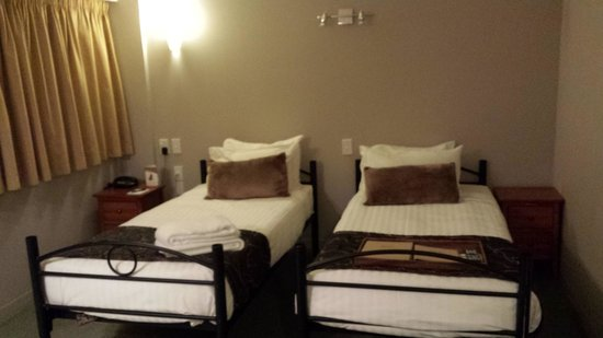Rydges Lakeland Resort Hotel Queenstown: Beds room 808