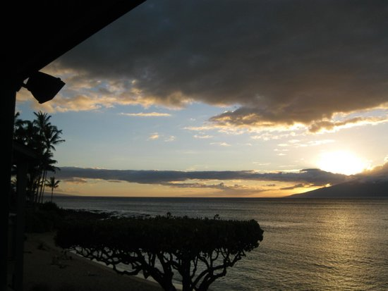The Napili Bay: Beautiful Napili Bay sunset with Molokai in the background.