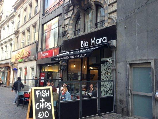 Bia Mara : Front