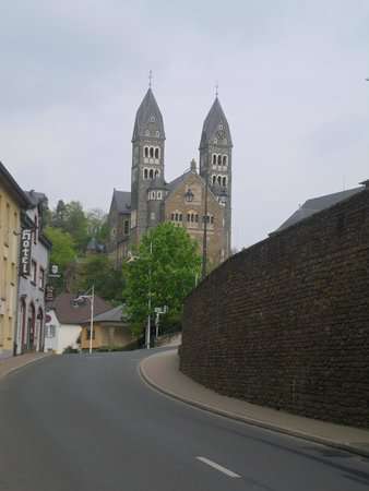 Hotel du Commerce : abbey