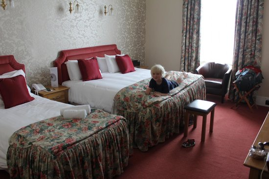 The Royal Hotel: The Royal, bedroom