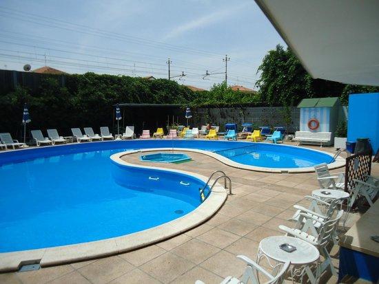 piscina picture of hotel trafalgar rivazzurra tripadvisor