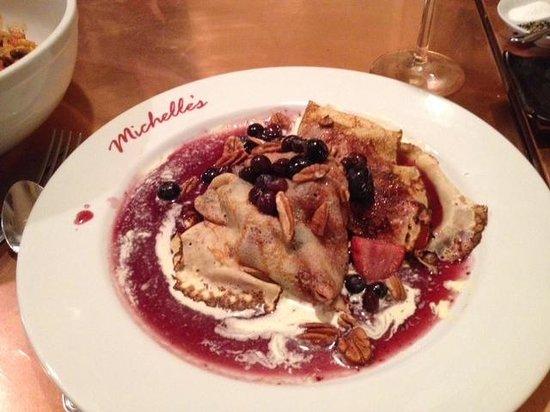 Michelle's On Market Square: Berry crapes