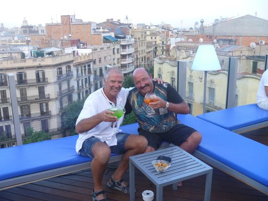 Axel Hotel Barcelona & Urban Spa: Roof top cocktails at sunset