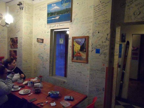 Traveller's Place Hostel: comedor 2