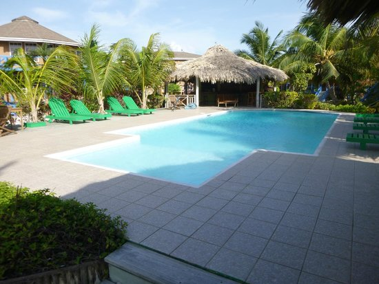 White Sands Cove Resort : pool
