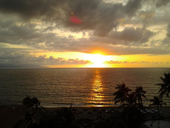 Vallarta Torre : Sunset from penthouse balcony
