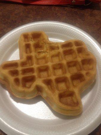 La Quinta Inn & Suites Pearland: Texas Shaped Waffle!