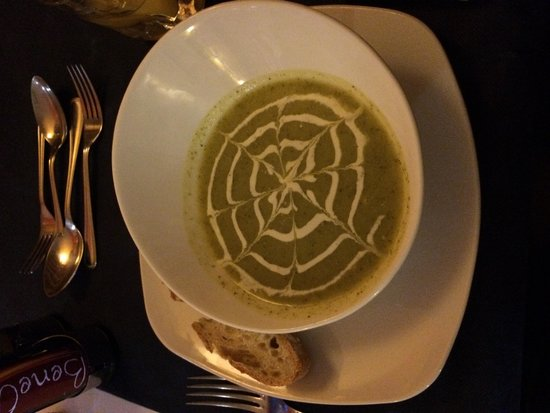 Restaurante Christopher: Broccoli and Blue cheese soup