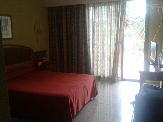 Hotel San Carlos: Habitación