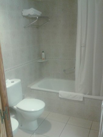 Hotel San Carlos: Baño
