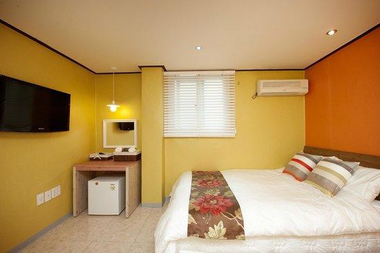 Sinchon GuestHouse