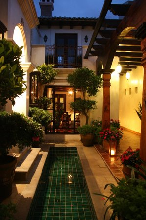 La Joya Hotel San Cristobal : hermosa vista al entrar