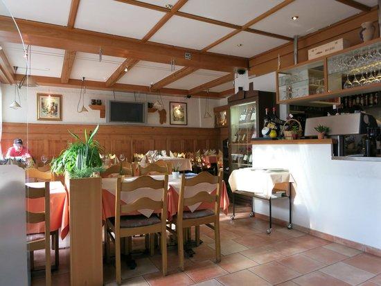 Citta Vecchia : The main dining room.